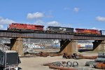 NS M77 with Lehigh Valley heritage heads south across the CNO&TP Ohio River bridge