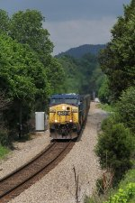 After waiting for a northbound at Kermit, U355-05 rolls south just into Tennessee
