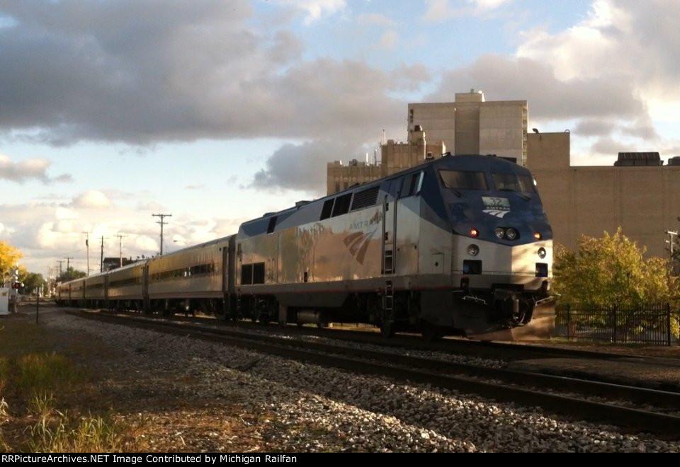 Amtrak 32