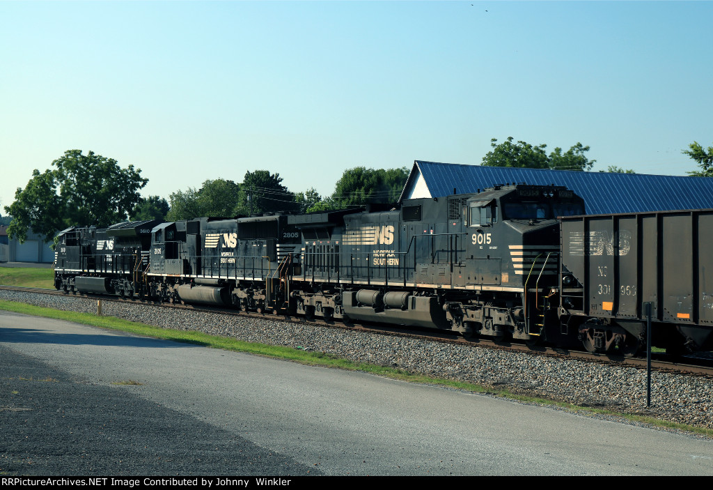 NS 9015 trails on NS 134