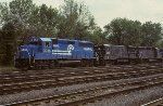 CR GP40-2 3313 leads U33B 2890, GP40 3008, and U23B 2707
