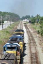 CSX Q573 knocks down the signal