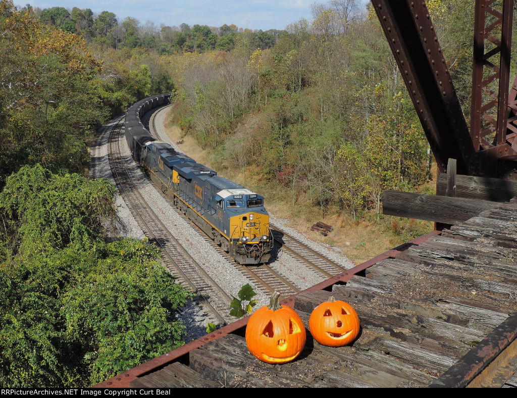 CSX 3203 and 835