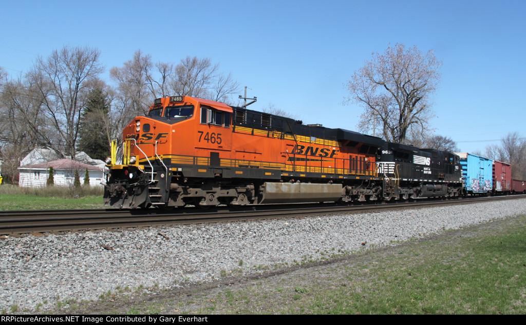 BNSF 7465 & NS 9631