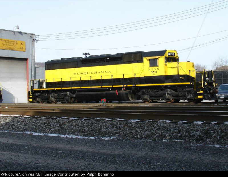 SD40  #3018 sits idle on a Sunday morning between tours of duty