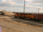 BNSF grain meets MRL switcher