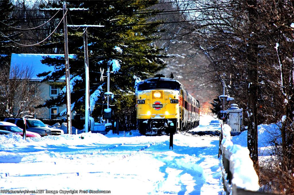 CVSR 6771 crosses SR 303.