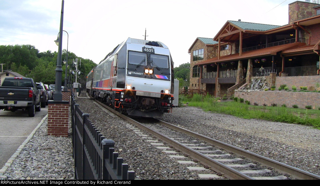 ALP-45DP 4531 on Train 1009