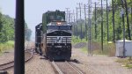 Norfolk Southern H03 Approaching