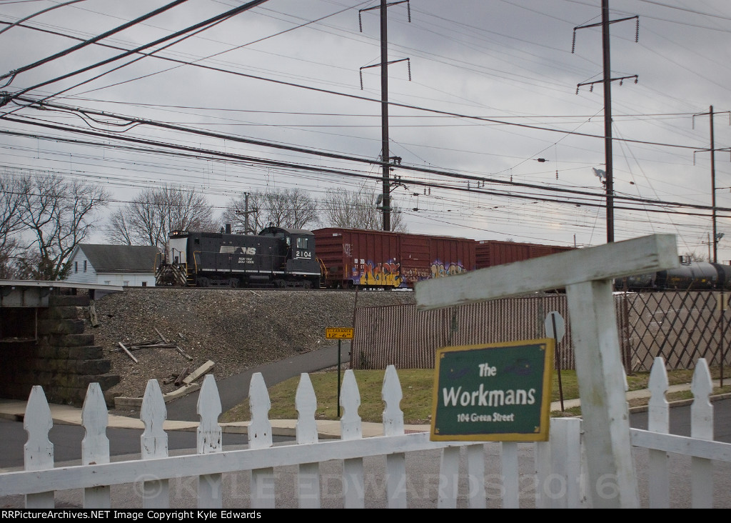 NS SW1001 #2104 on WPBS-02