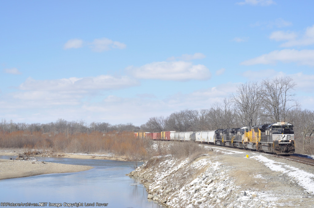 NS 2759 On NS 123 Eastbound