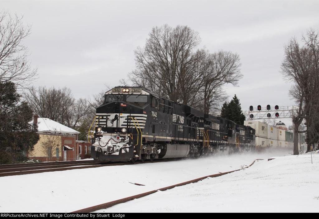 NS 7642