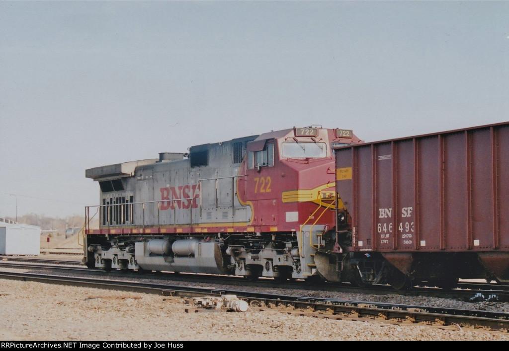 BNSF 722 DPU