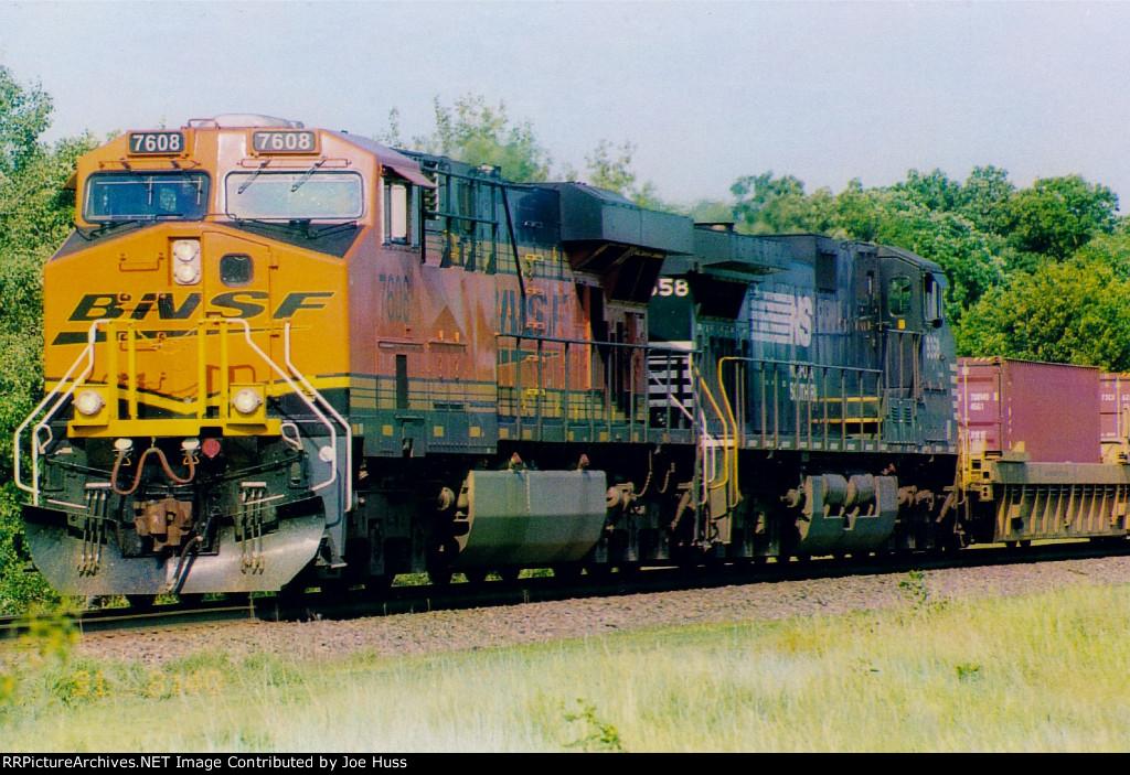 BNSF 7608 East