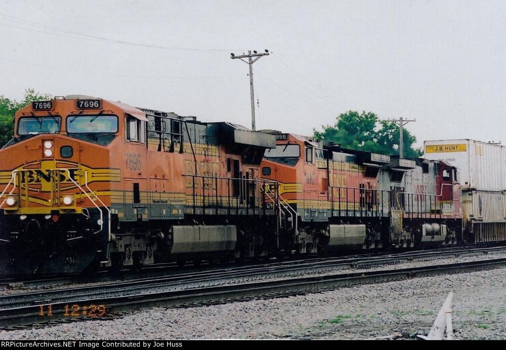 BNSF 7696 West
