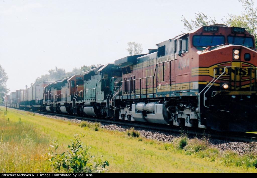 BNSF 4944 West