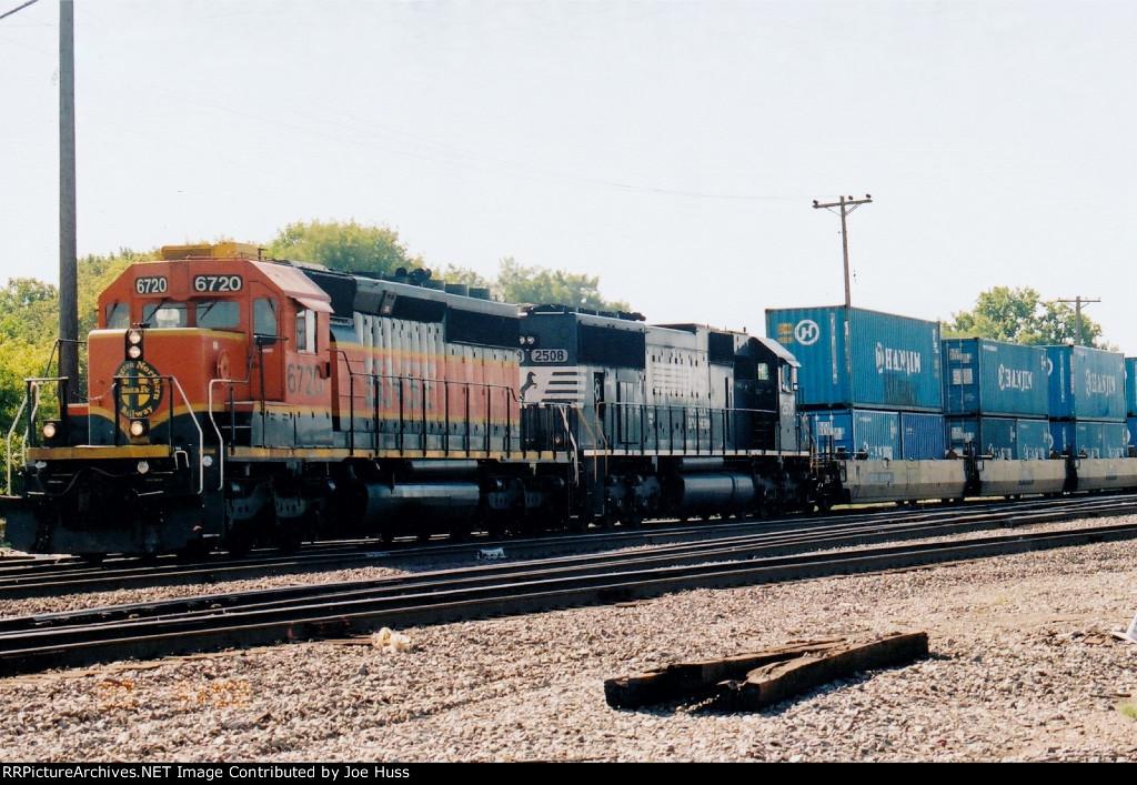 BNSF 6720 West
