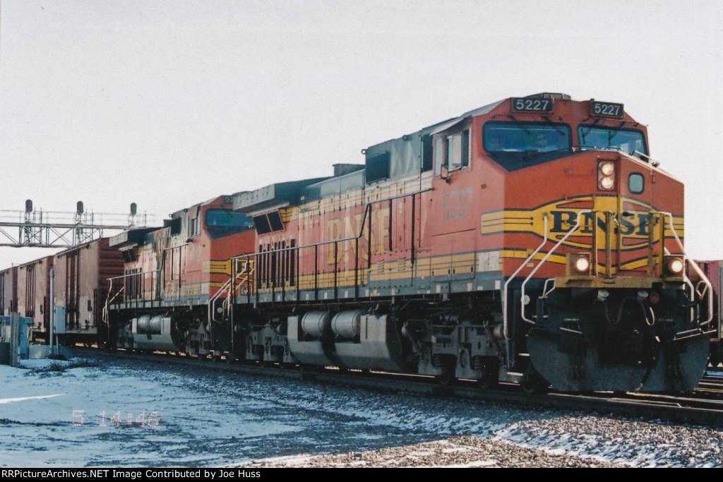 BNSF 5227 West