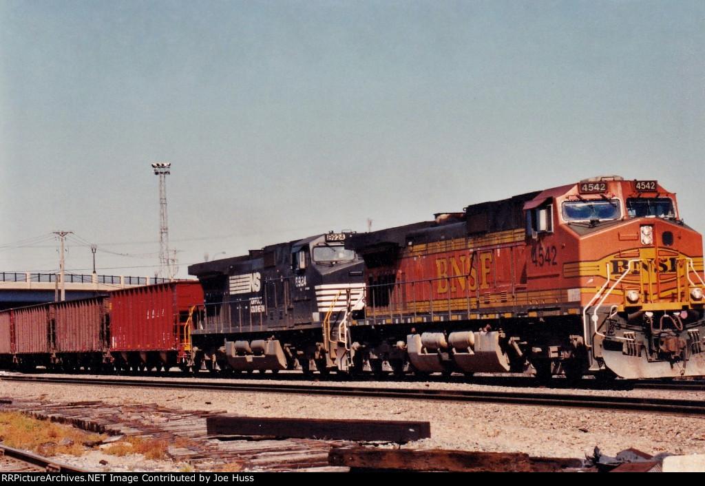 BNSF 4542 East