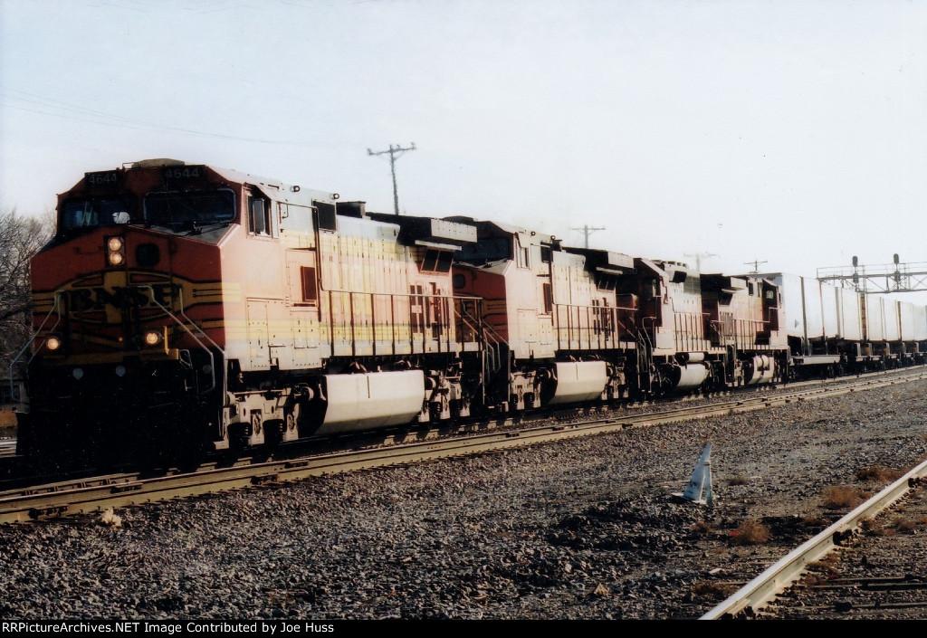 BNSF 4644 West