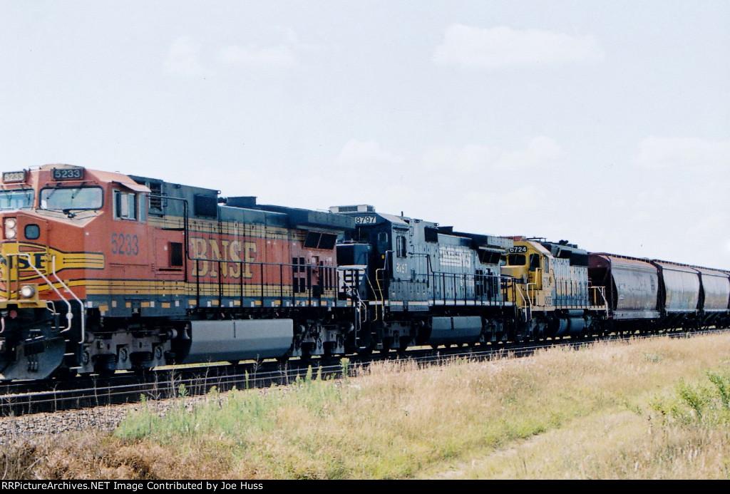 BNSF 5233 East