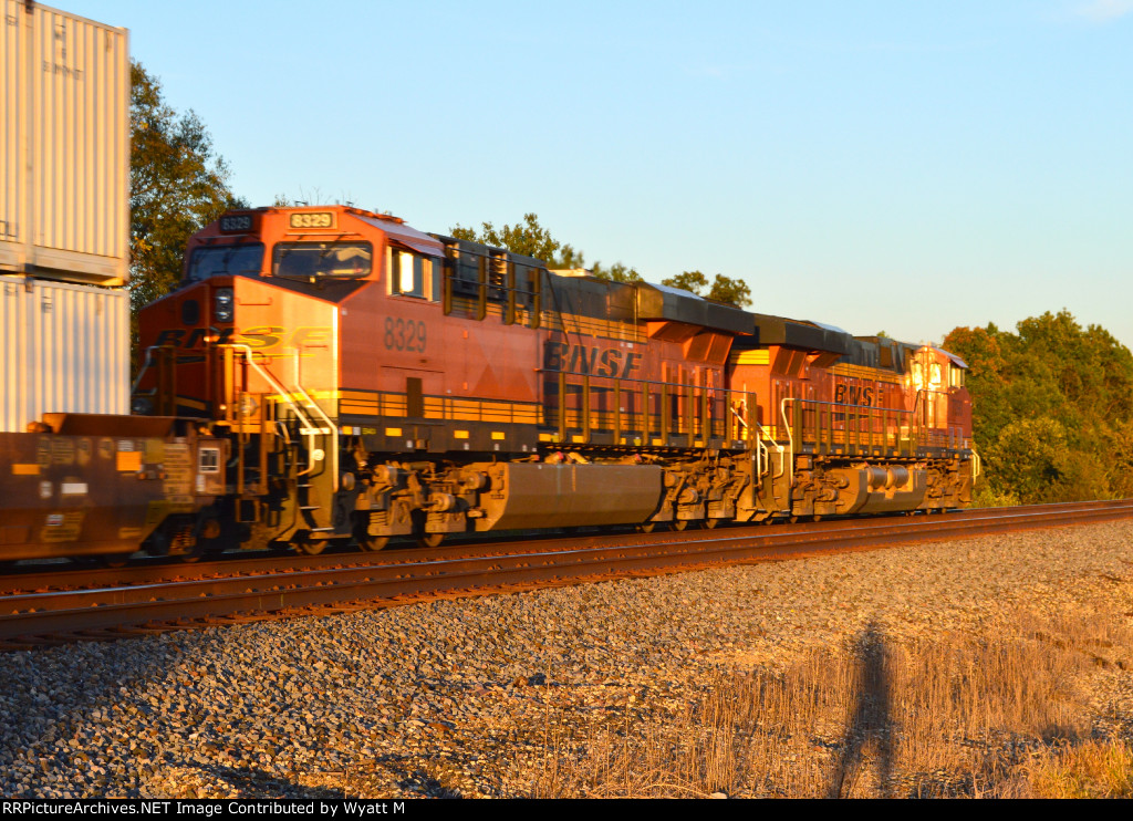 BNSF 8329 and 7090