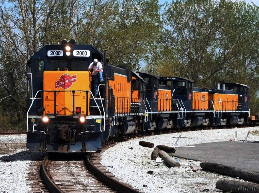 Southbound A&S Yard Job Train