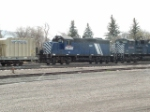 MRL 109 GP9 behind two SD70ACe's