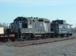 MRL 116 GP9 and MRL 1102 Remote Control Caboose