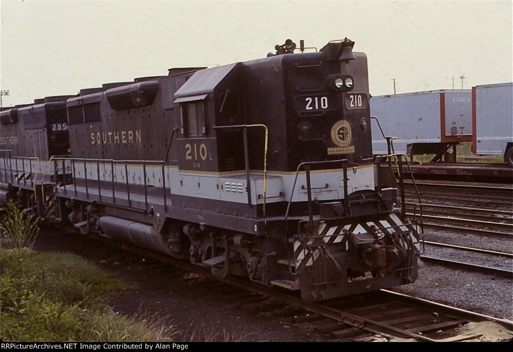 SR GP35 210