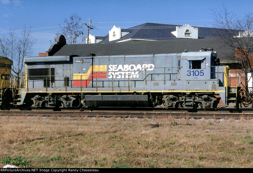 CSX 3105 (SBD Paint yellow ends)