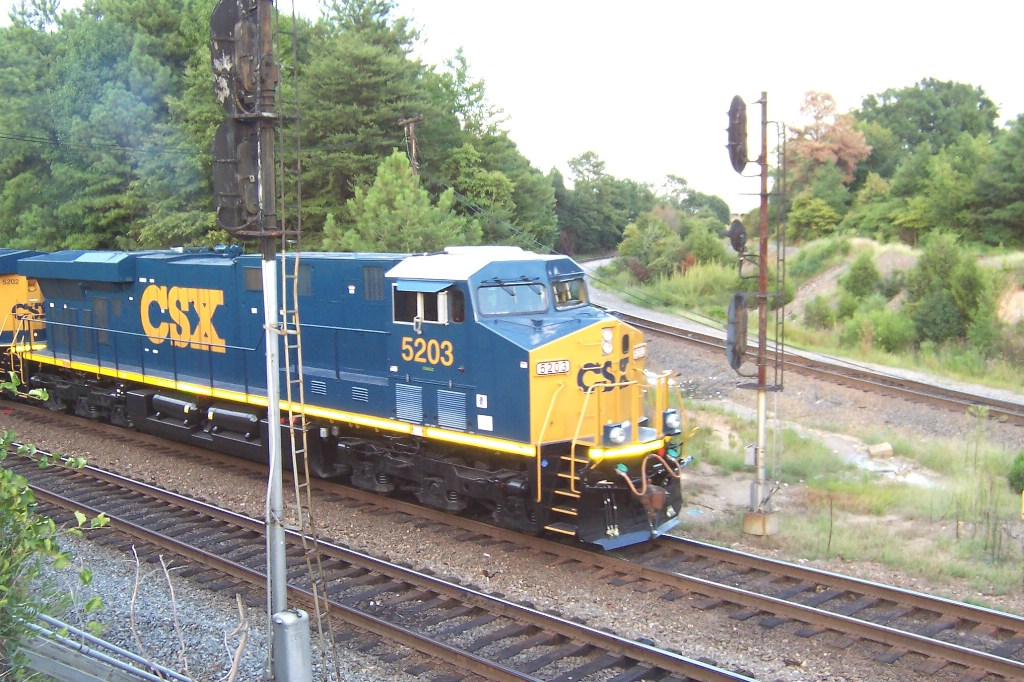 CSX ES44DC's on their maiden voyage down the RF&P and SCL