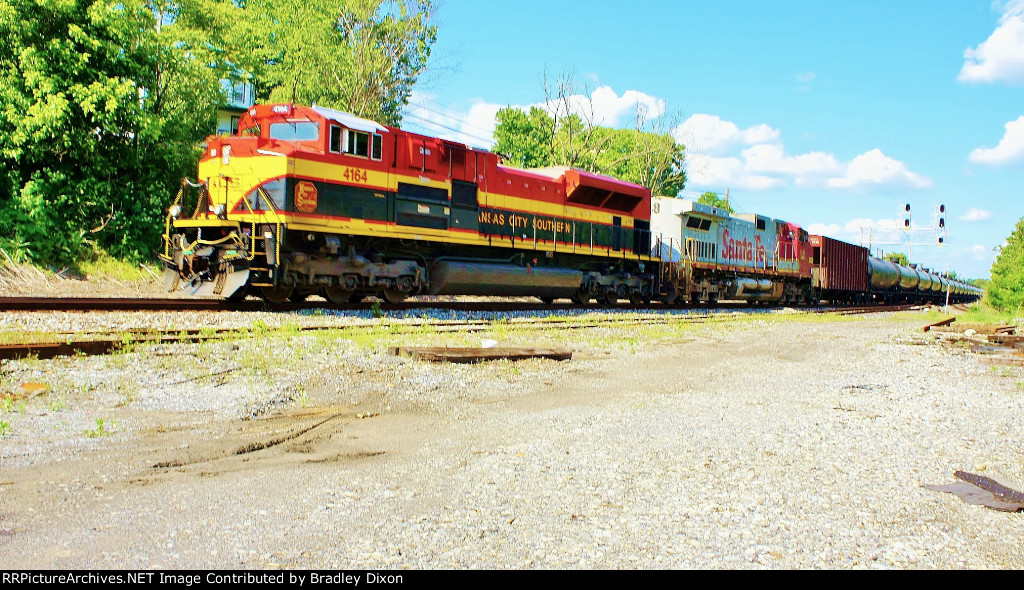 KCS 4164 with Santa Fe on CSX K train