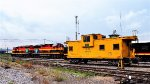 KCSM Eco locomotives and NdeM Caboose