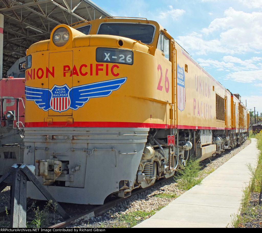 UP 26 Locomotive (8500 GTEL)