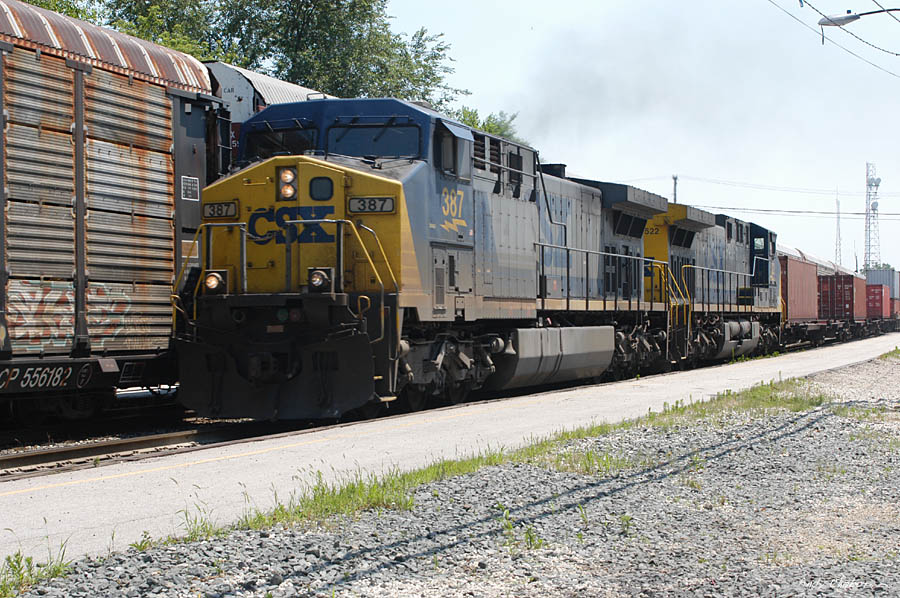 CSXT 387 Westbound by the depot