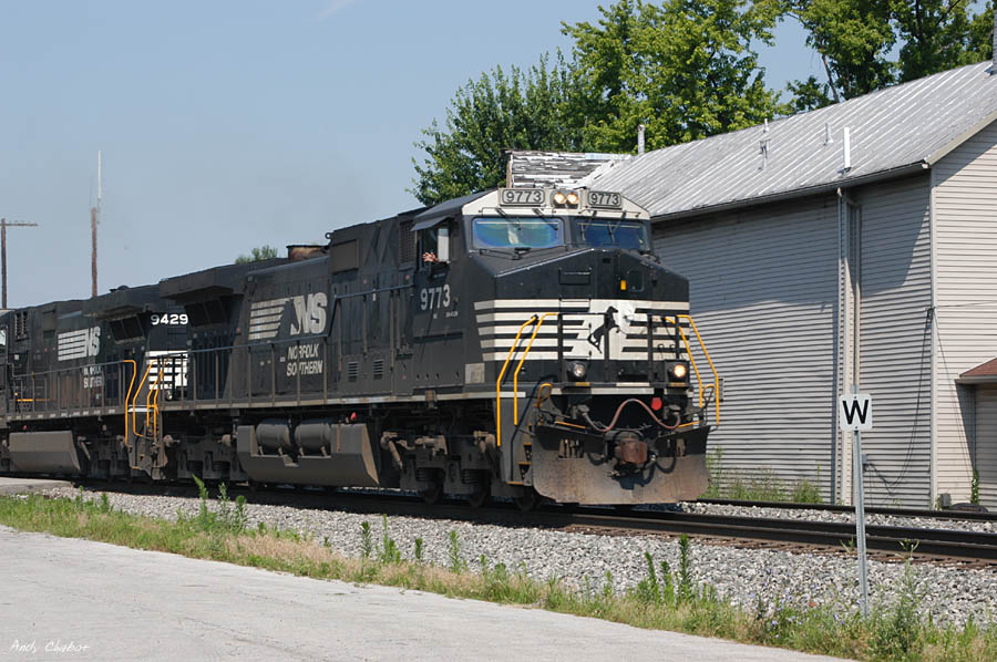 NS 9773 along with a friendly wave...
