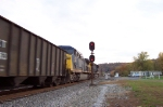 CSX 422 gives 214 a helping hand