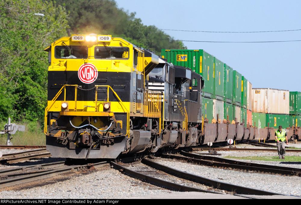 NS 1069 on NS 209