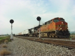 BNSF 5129 leads NS TOFC train 218 at CP Lunbeck