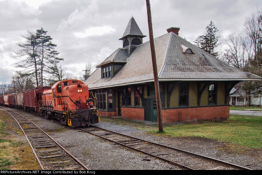 The RS-3 glides past the elegant old passenger station in Cambridge, NY