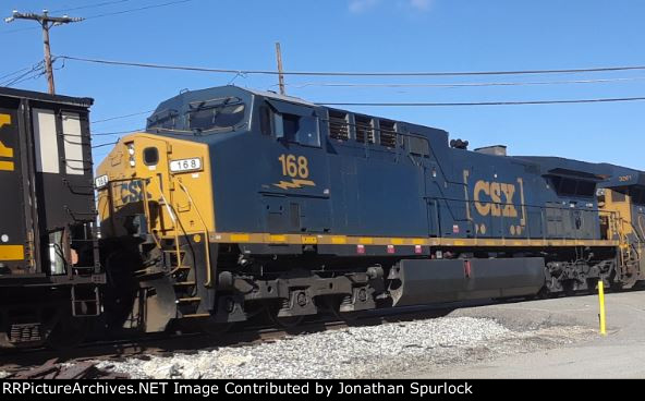 CSX 168, conductor's side view