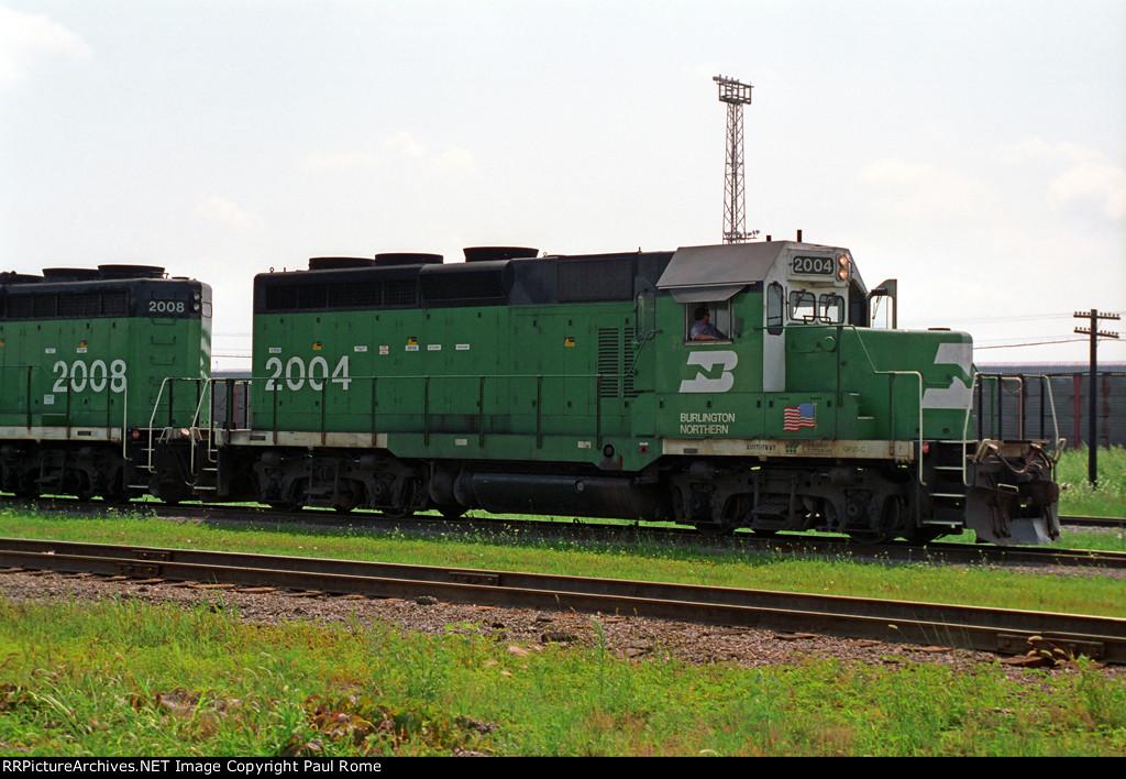 BN 2004, EMD GP20C, Geep rebuild with Caterpillar diesel engine, westbound on BN