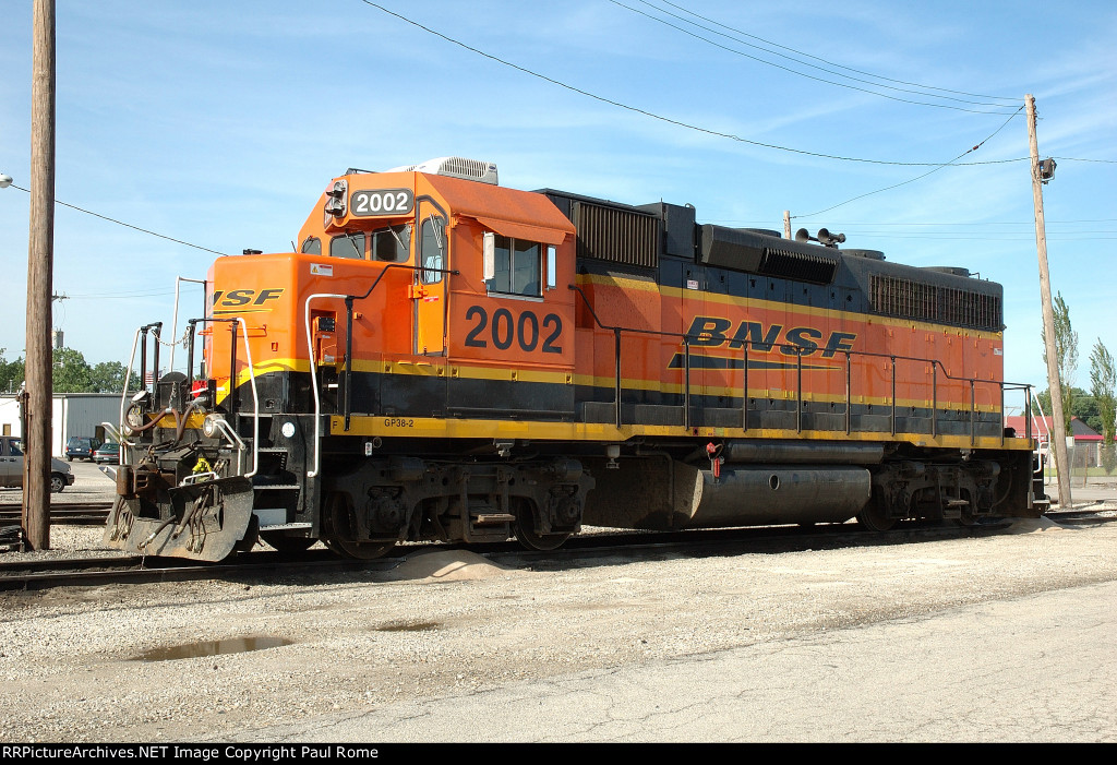BNSF 2002, EMD GP38-2, at Eola Yard,