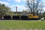 U. S. Silica Plymouth Switcher with Hopper Cars
