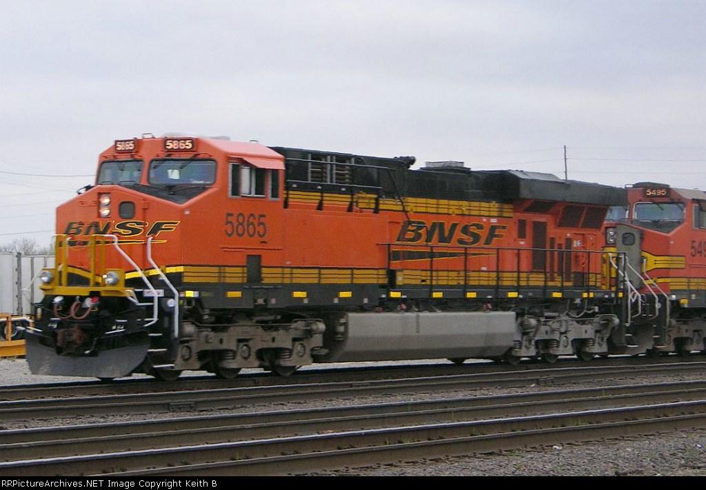BNSF 5865 on ZYCHOB 07.