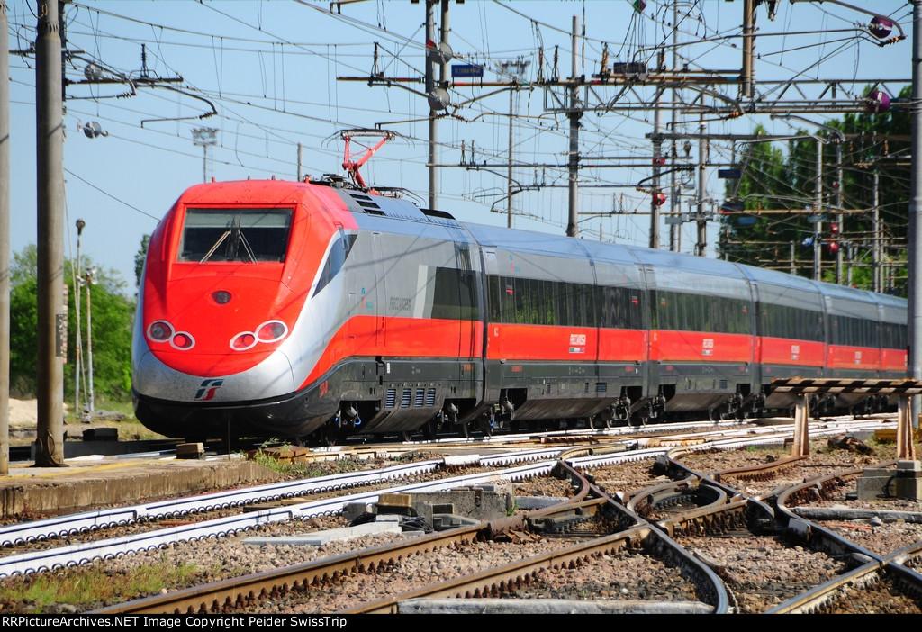 404 027 - Trenitalia