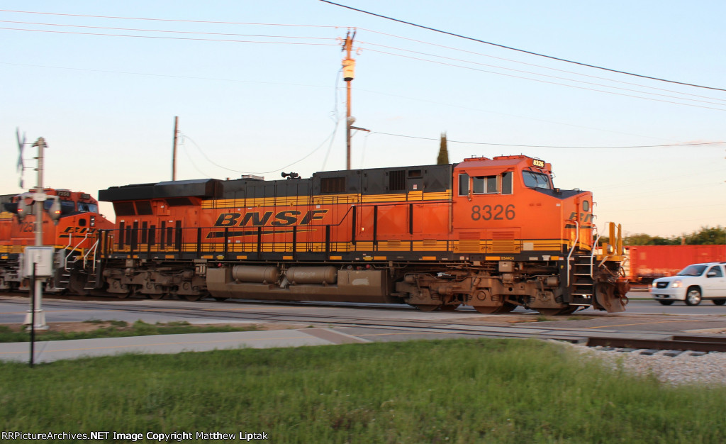 BNSF 8326