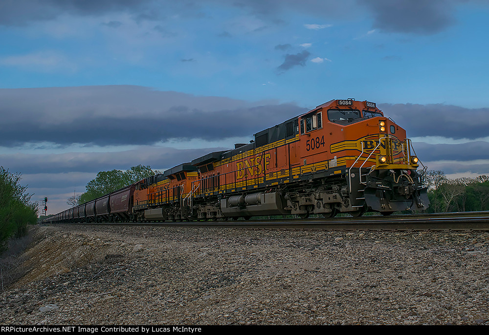 BNSF 5084 westbound BNSF loaded grain train