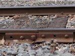 Cracked rail joiner